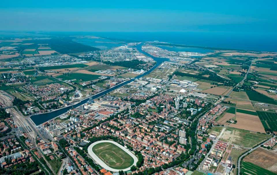 Documentazione_Vista_aerea_porto_Ravenna